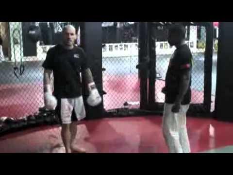 Hamilton Thai Boxing / Muay Thai Tips: Body Kick Counter
