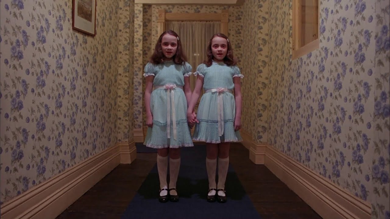 El resplandor (1980) - Escena de los gemelos (VOSTFR) - YouTube