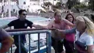 Greek Fight (Old Drunk Dude vs Aggressive Woman)
