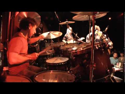 Simon Phillips (L. Ritenour & M. Stern) - Smoke 'n' Mirrors, [drums only camera]