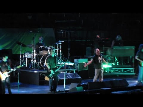 Pearl Jam: Army Reserve [HD] 2010-05-20 - New York, NY