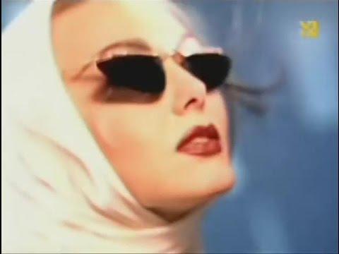 Скачать песню Леонидов Максим -  Самая крутая песня в мире..) Зажигала под неё когда мне было около 5 лет