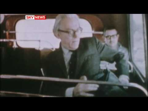 Tributes paid to former Labour leader Michael Foot who has died