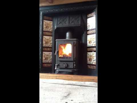 Salamander hobbit woodburning stove - Salamander Hobbit Woodburning Stove - YouTube