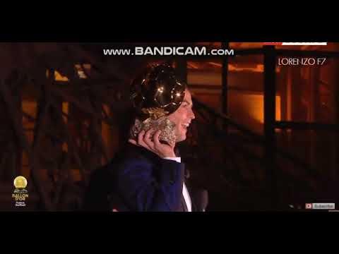 لحظة تتويج كريستيانو رونالدو بالكرة الذهبية الخامسة