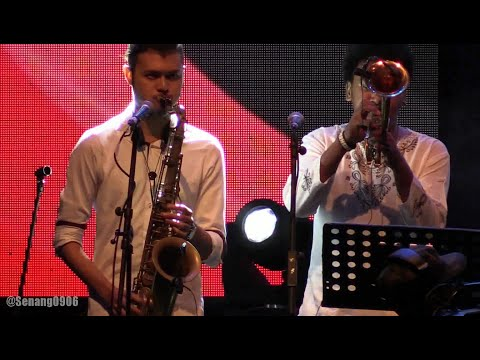 Barry Likumahuwa - Agnus Dei ~ Rapid Transition ~ Walking with The Bass @ Ramadhan Jazz 2016  [HD]