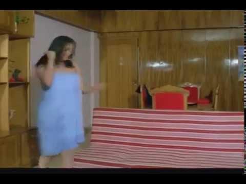 SIMPLE KAPADIA in SHAAKA(1981)Pankhe Gayab*Theft of Fans.