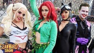 JOKER vs COMIC CON! Harley Quinn, Batman, Deadpool...