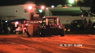 River Hill Pulling (6800 lb Modified Truck Winchester Exhibition 072811)