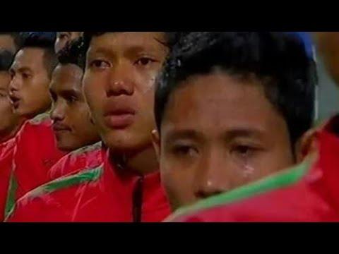 Timnas menangis saat nyanyikan lagu INDONESIA raya saat melawan camboja 20  YouTube