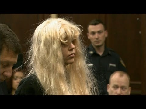 Amanda Bynes in 2007: 'What's wrong with me?'