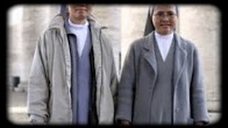 Des prêtres et religieuses catholiques ...