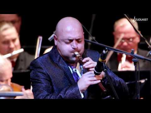 Оганес Казарян  и оркестр