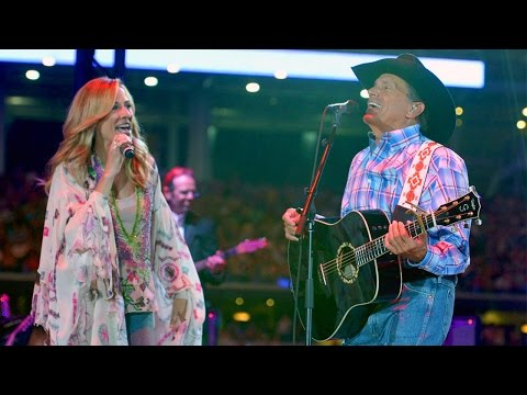 "George Strait & Sheryl Crow - ""Here For a Good Time"" (Live, 2014)"