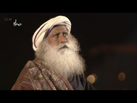 Sadhguru went into Trance state(Bhava Samadhi)when Chanting Shiva Mantra in Shivaratri 2018