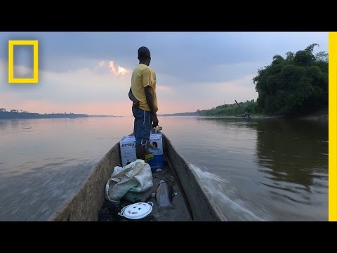 60 Seconds of Life on the Congo River