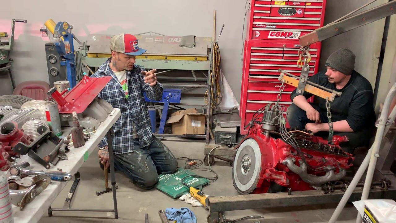 Engine troubleshooting with Alex L Gould on the '56 322 nailhead