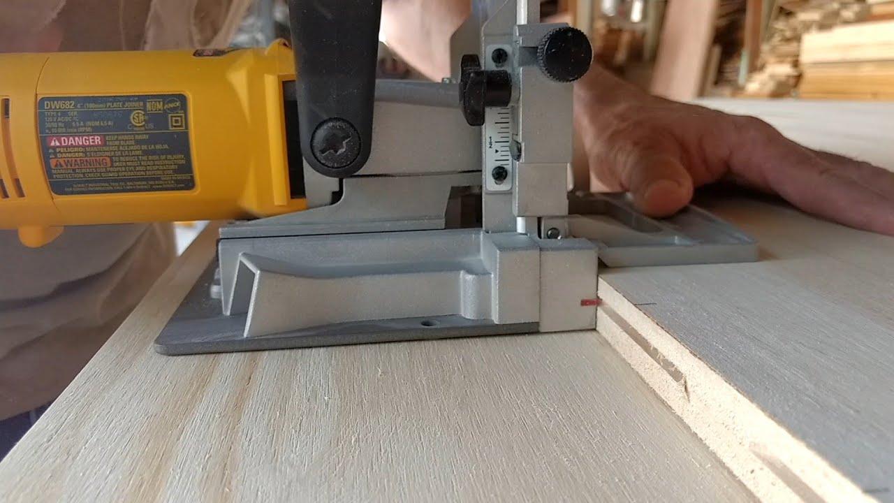 Fresadora de ranuras 900 W Mannesmann M12862