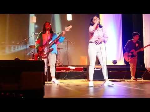 Francine DLSZ RAK rock gig