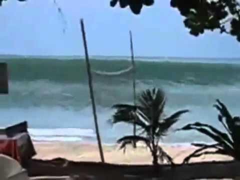Massive tsunami hits Indonesia 2012 -.mp4