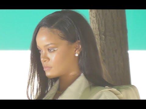 VIDEO Rihanna @ Paris Fashion Week 21 june 2018 show Vuitton / juin #PFW
