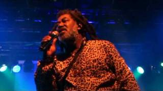 Johnny Clarke (Live HQ)MAY2010-Declaration of Rights-Dem Ah Play Fool