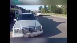 Милиционер ехал без ремня и с ребенком на переднем сиденье