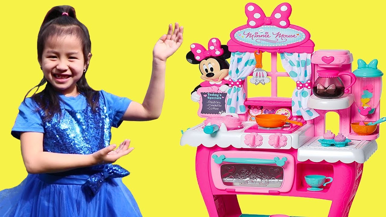 Jannie Pretend Play Cooking with Minnie Mouse Kitchen Toy & Play ...