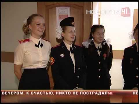 В Суворовском училище впервые за 70 лет в ходу тушь,...