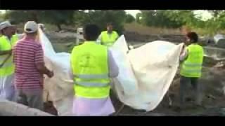 Innondation au Pakistan Aide humanitaire de la communauté musulmane Ahmadiyya.flv.flv