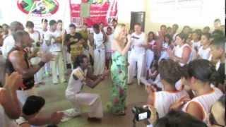 Carolina Soares e Ailton Carmo (Besouro) em Paracatu - Evento de Capoeira - 09/11/2013