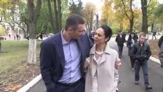 Віталій Кличко проголосував разом з дружиною Наталею та братом Володимиром