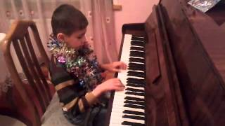 Jingle bells song for children piano -Tuncay 8 years old (Azerbaijan)