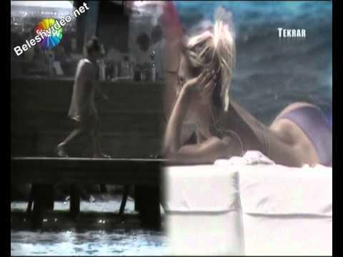 Demet Akalın Bikinili 2012