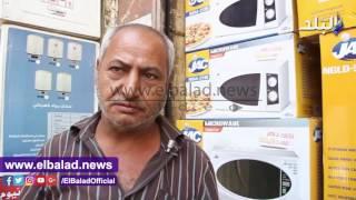الركود يصيب شارع عبد العزيز بسبب ارتفاع أسعار الأجهزة الكهربائية.. والتجار : 'مفيش حد بيشترى غير العرايس'.. فيديو وصور