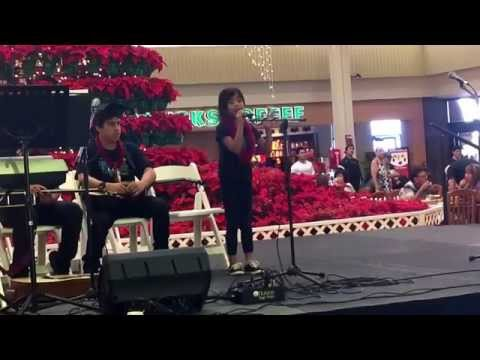 10 yrs old hits the high notes Holy Night- Mariah Carey (cover by Kaylee)