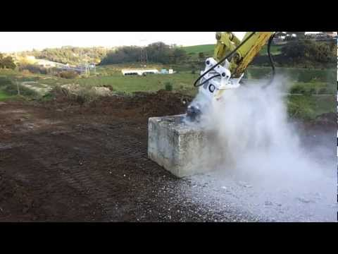Simex TF200 e Yanmar ViO 75.mp4