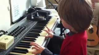 7 YEAR OLD plays Ender