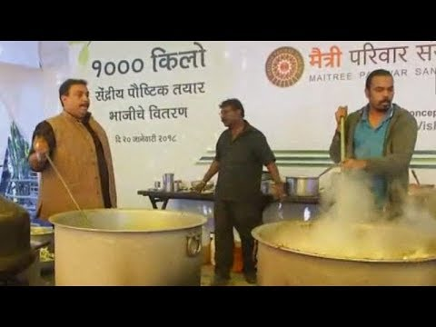 Nagpur: Chef cooks tonne of curry to promote organic farming produce
