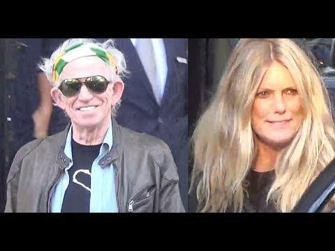 VIDEO Keith Richards and his wife Patti Hansen leaving their hotel @ Paris october 25, 2017