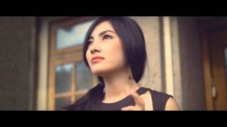 Gambar cover EMONI - RINDU (Deluxe Version) [Official Music Video]