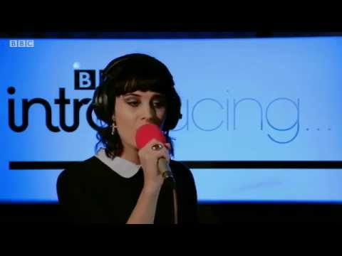 Ren Harvieu - Forever in Blue(Live for BBC Introducing)