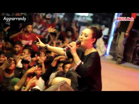 DEWI ZEGA - DITINGGAL RABI(RAXZASA MUSIC - LIVE SUMBERSEWU)