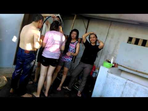Tắm tập thể (tour BL-ĐL-PT-LAGI)