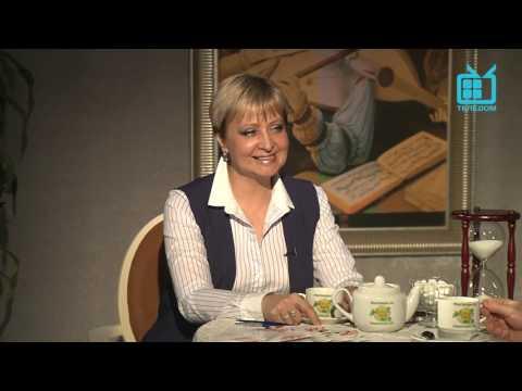 """Семён Фурман в программе """"Разговоры за чашечкой чая с Натальей Дроздовой""""."""