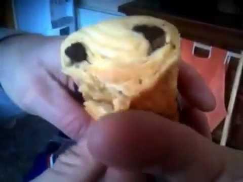 ET - Chocolate croissant