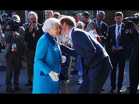 Прямо перед похоронами! Гарри не ожидал–королева подошла к нему. Королевский поступок–никто не ждал