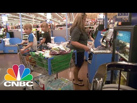 Wal-Mart Could Enter A Bidding War With Amazon Over Whole Foods, JPMorgan Says | CNBC