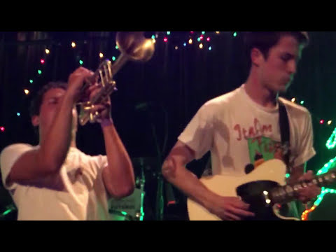 "Wallows ""Let the Sun In"" 