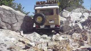 Toyota FJ40 Land Cruiser 1/8 RC rock crawling (Part V)